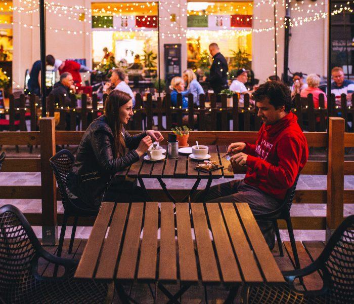 Gesprächsthemen für dein erstes Date